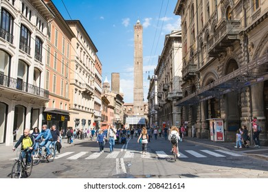"BOLOGNA,ITALY-MAY 17,2014:view of the famous twin towers  from the ""piazza Maggiore"" during a sunny day."