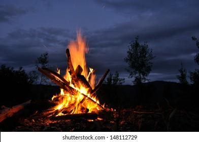 Bonfire, campfire