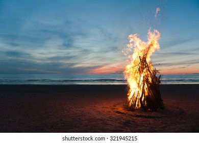 Bonfire on the beach of Narva Joesuu
