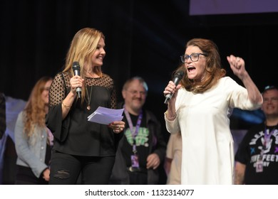 Bonn, Germany. 20th Oct 2017. Margot Kidder (* 1948), US actress - Superman - entering the stage at the opening ceremony of FearCon, a horror fan convention