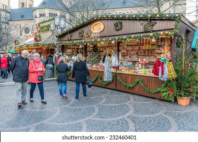 BONN, GERMANY NOVEMBER 22, 2014 - Unidentifed persons at the christmas market in Bonn, Germany,