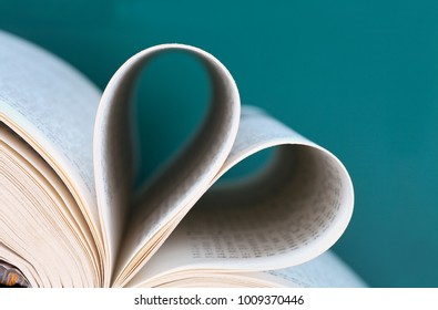 Book, emotion and knowledge