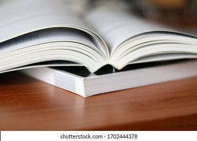 Book, Thick heavy books with white paper and hard cover, good binding, perfect binding, large number of pages, huge page booklet