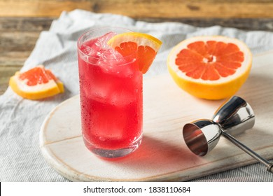 Boozy Refreshing Sea Breeze Cocktail with Grapefruit and Vodka