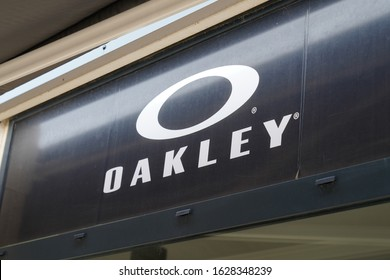 Bordeaux , Aquitaine / France - 01 24 2020 : Oakley logo sign shop in modern shopping mall store
