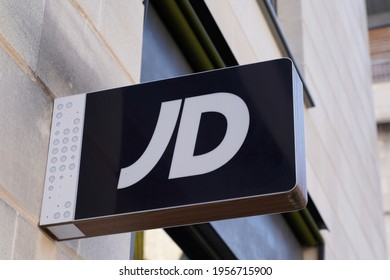 Bordeaux , Aquitaine France - 04 12 2021 : jd sports brand logo and text sign shop JDSports store signage