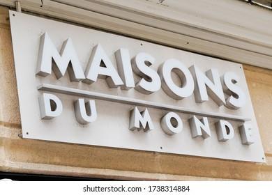 Bordeaux , Aquitaine / France - 05 16 2020 : maisons du monde logo sign on store of decoration chain