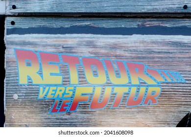 Bordeaux , Aquitaine  France - 09 05 2021 : retour vers le futur logo brand and text sign of movie Back to the future motion picture film