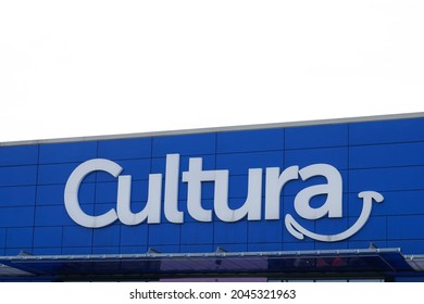 Bordeaux , Aquitaine  France - 09 10 2021 : cultura logo brand and text sign on store cultural art wall building facade