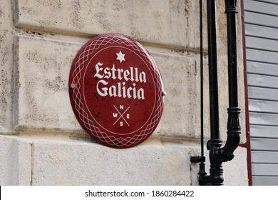 Bordeaux , Aquitaine / France - 11 11 2020 : Estrella Galicia logo and text sign of brand of spain pale lager beer