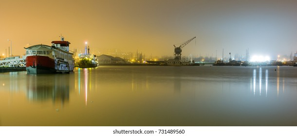 Bordeaux harbor, by night