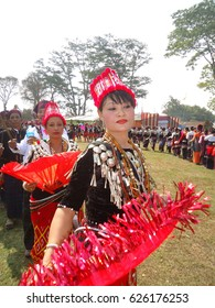 Bordumsa, Arunachal Pradesh, India. 14th Feb, 2014. Singpho tribal people in their traditional outfit dance during Shapawng Yawng Manau Poi Festival, an 'Ethno-Cultural Festival' of the Singpho tribe