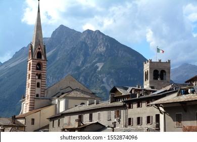 Bormio is a tourist resort in Lombardy, located in upper Valtellina. Located in the Stelvio National Park, it is a renowned summer and winter tourist resort in the Alps
