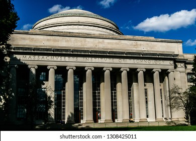 Boston, 10/28/2017:  Great Dome of the Massachusetts Institute of Technology (MIT).