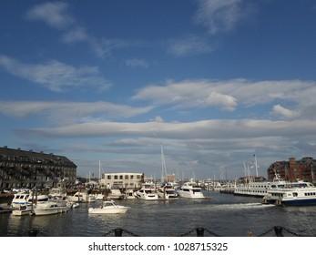 Boston Harbor between Commercial Wharf (left) and Long Wharf (right), Boston, Massachusetts