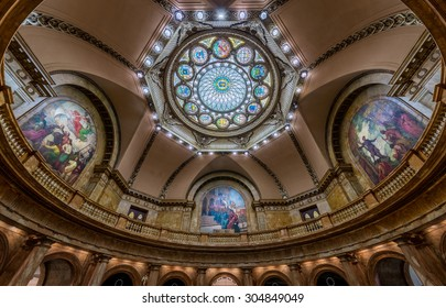 BOSTON, MASSACHUSETTS - JULY 27: Inner dome from the rotunda floor of Memorial Hall in the Massachusetts State House on July 27, 2015 in Boston, Massachusetts