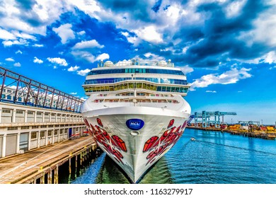 Oceania Cruise Line Images, Stock Photos & Vectors
