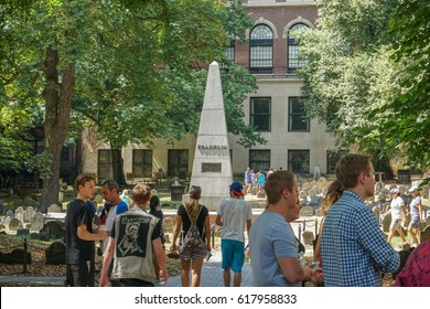 BOSTON, USA - AUGUST 14, 2016: Graveyard with Franklin monument