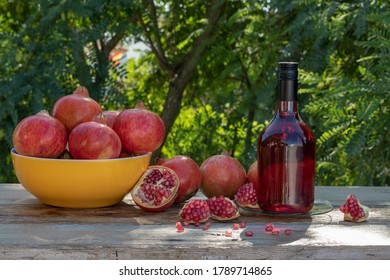 bottle-pomegranate-liquor-fruit-on-260nw