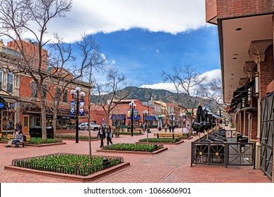 Boulder Colorado 2018-04-05: early spring at the Pearl Street Mall.