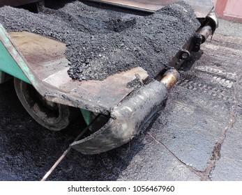 Boulder trucks, gravel for repairing concrete floors, asphalt pavements.