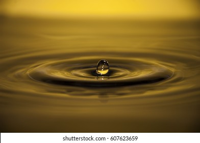 bounce of a water drop