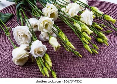 Bouquet of beautiful white lysiantus