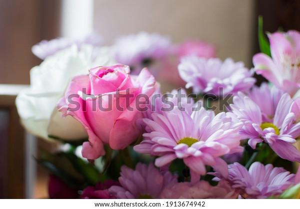 bouquet-flowers-pink-purple-tones-600w-1