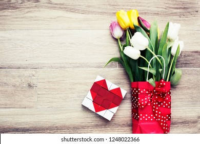 bouquet of tulips /Valentines Day background