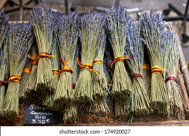 Bouquets of dry lavender or lavandin blossoms for sale on the market of Aix en Provence, France