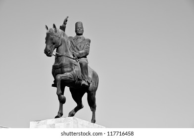 Bourguiba on his horse statue