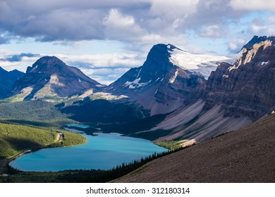 Bow Lake and Medicine Bow Peak in Banff National Park, Canada.