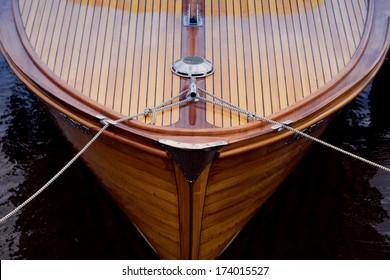 Bogen eines Holzschiffes