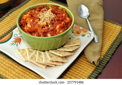 Bowl of chili and crackers