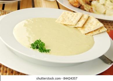 A bowl of cream of celery soup