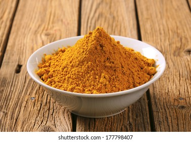 bowl of curry powder, served in a bowl