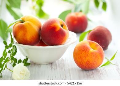 Bowl of fresh peaches