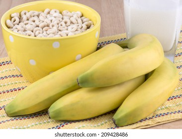 Bowl of oat cereal and bananas