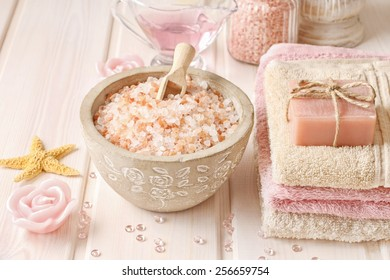 Bowl of rose sea salt