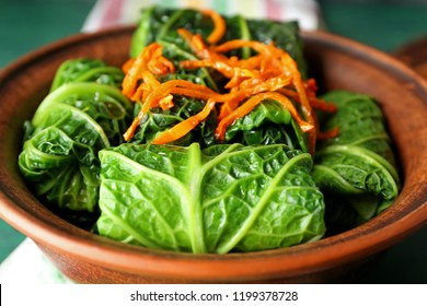 Bowl with stuffed cabbage leaves, closeup