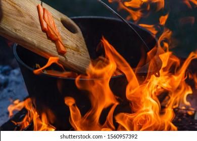 Bowler cooking food bonfire cauldron camp fire,  campfire pot.