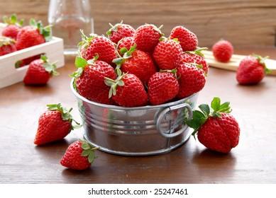 a box of tasty strawberries