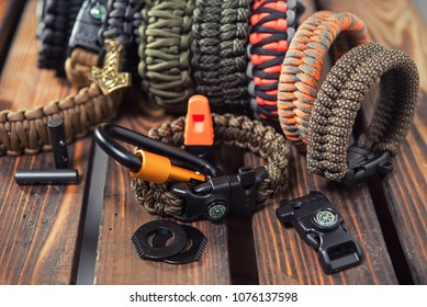 Bracelets made of rope braided (paracord) and carabiners with a compass