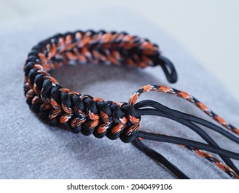 Bracelets made of rope braided (paracord). Sanctified knot or weave.