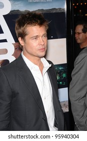 """BRAD PITT at the Los Angeles premiere of his new movie """"Babel"""". November 5, 2006  Los Angeles, CA Picture: Paul Smith / Featureflash"""