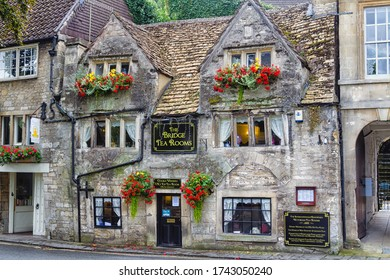 BRADFORD ON AVON, ENGLAND - SEPTEMBER 4, 2016: Old style city of Bradford on Avon in The Cotswolds know as Area Of Outstanding Beauty (AONB), England, United Kingdom, Europe