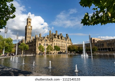 Bradford town hall at the city park square.