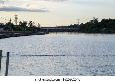 Bragueto Bridge, Brazil, road bridge over Lake Paranoa in the Federal District, marks the northern end of the Brasilia road axis. On the edge of the lake there is a deck with several leisure options.