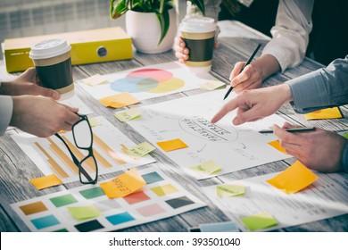 Brainstorming Brainstorm Business People Design Planning multicolored