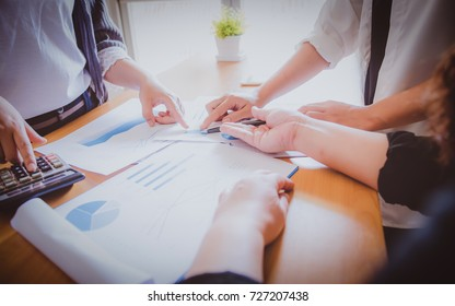 Brainstorming Business Working Report Concept,concept of earnings decreased.